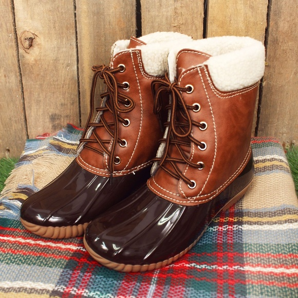 4994a329c716 Sherpa Lined Brown Duck Boots (RUNS SMALL)